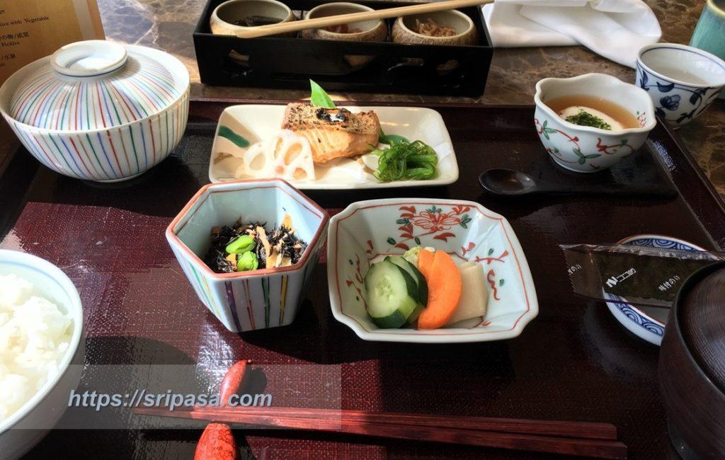 『The Okura Prestige Bangkok(オークラ・プレステージ・バンコク)』 日本食レストラン『山里』での朝食(鮭編)