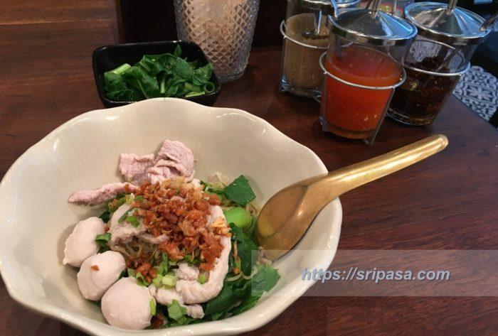 タイの麺「クイッティオ」