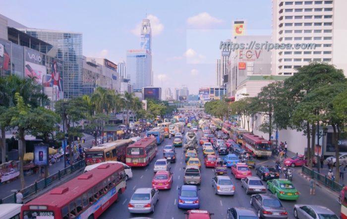 タイ バンコク ラチャプラソン交差点